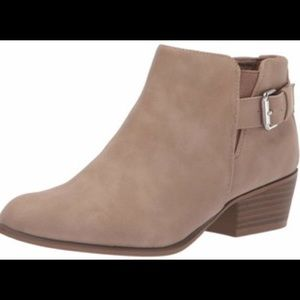 Espirt Ankle Boots